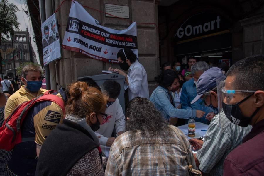 INE encuentra registro de personas fallecidas en firmas de consulta contra expresidentes