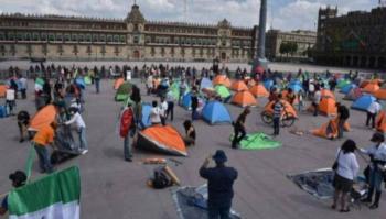 Reportan disturbios en el Zócalo entre presuntos simpatizantes y opositores de López Obrador