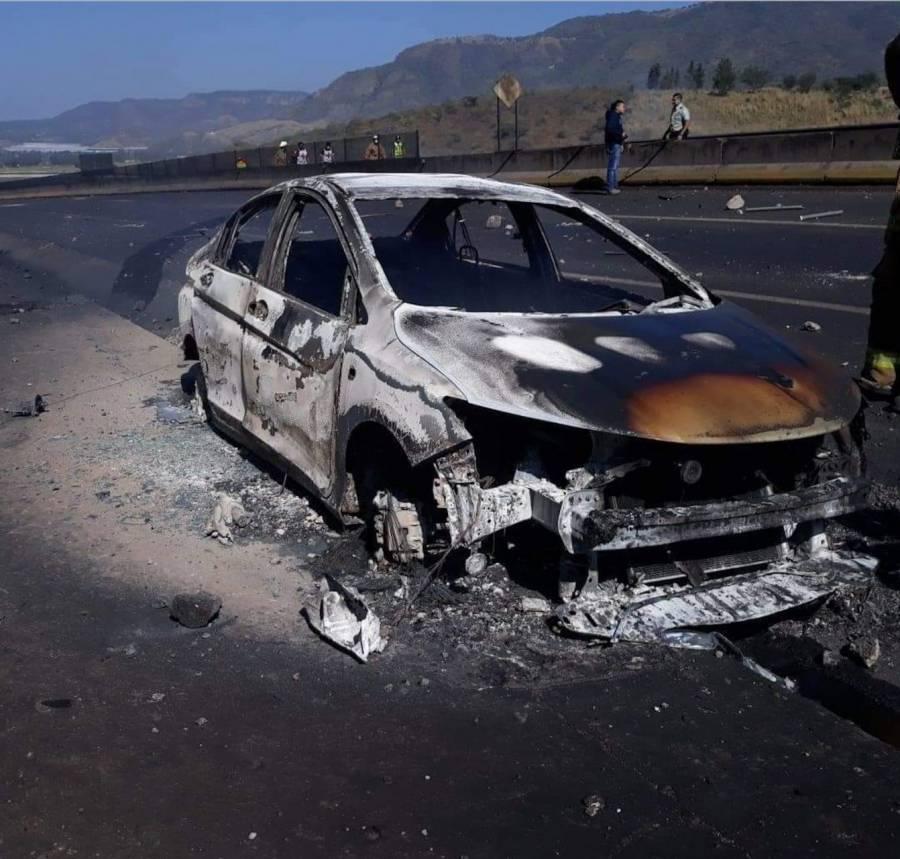 Hay 14 fallecidos por explosión de pipa en Nayarit