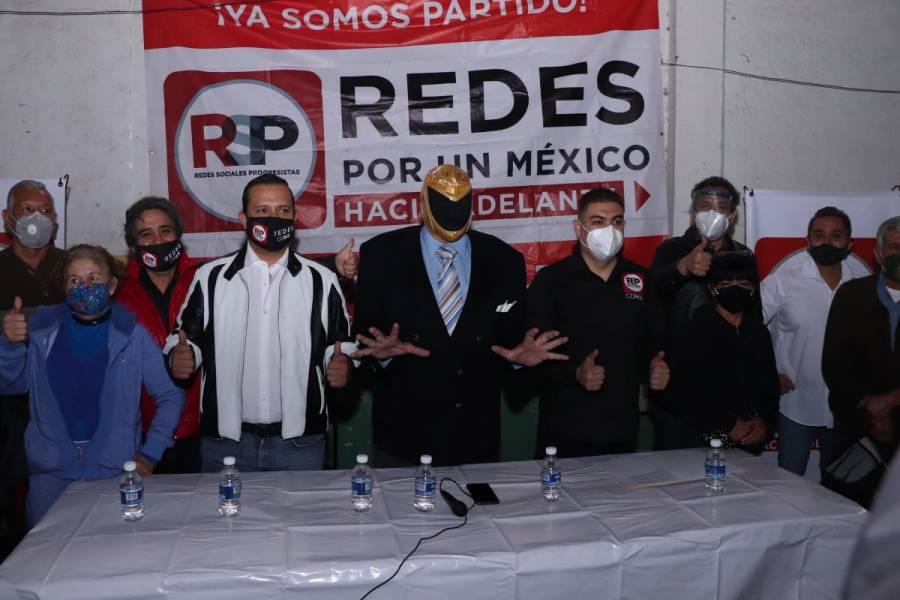 El exluchador Tinieblas se presenta en la gira de Pedro Pablo de Antuñano