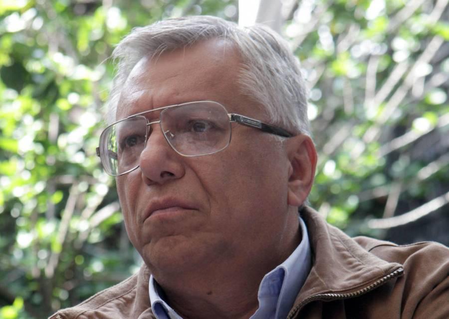Juez frena orden de aprehensión contra Ramón Sosamontes