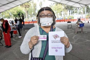 Alcaldesa Clara Brugada pone en marcha entrega de tarjetas a 7 mil adultos mayores de Iztapalapa