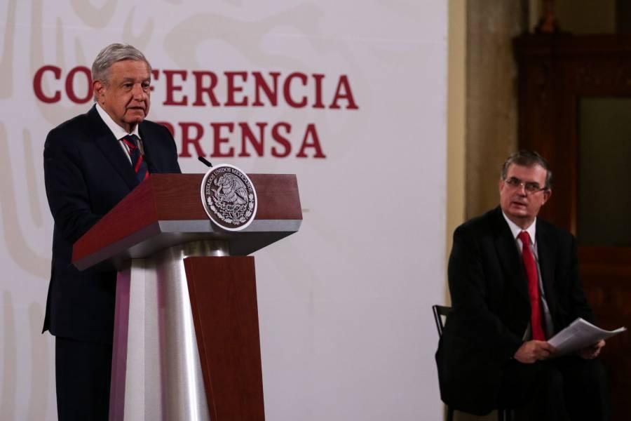 Regresa Cienfuegos a México, queda libre y se va a su casa