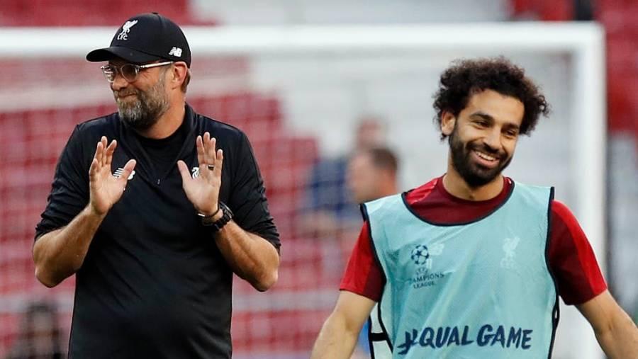 Klopp respalda a Salah tras positivo por COVID-19 después de boda de su hermano