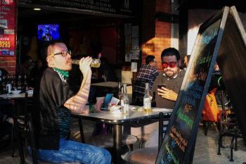 Restaurantes podrán seguir abiertos hasta la 23:00 pero dejarán de vender alcohol a las 19 horas