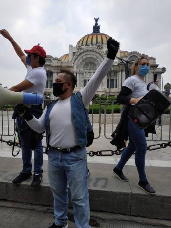 """""""DEJENOS TRABAJAR"""" PIDE EL MOVIMIENTO ESCENA"""