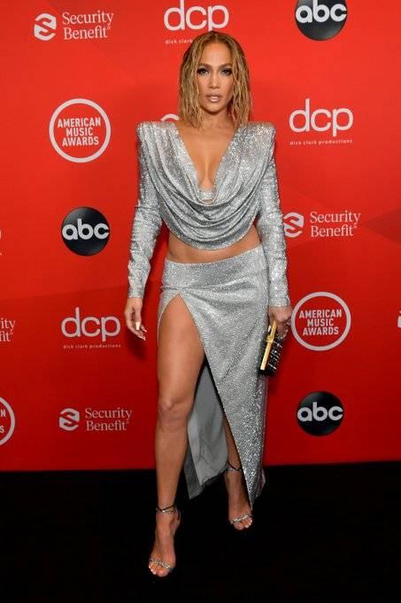 Increíbles atuendos en la pasarela de los American Music Awards