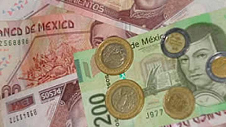 Corona noruga, peso y rublo las monedas ganadoras