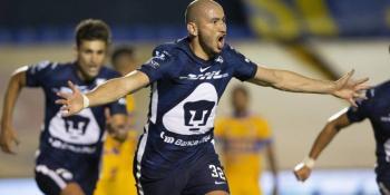 Tigres y Pumas habrían comenzado pláticas para traspaso de Carlos González