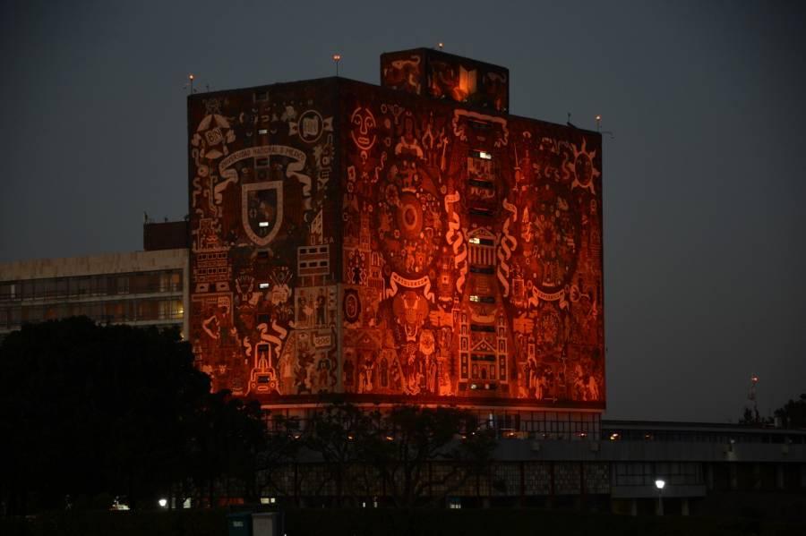 Por razones de género, la UNAM se pinta de naranja