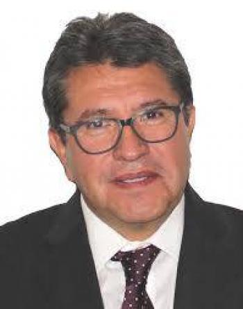 Monreal reconoce disposición de banqueros para bajar comisiones