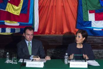 Colaboración de Rosario Robles será contra Videgaray: abogado