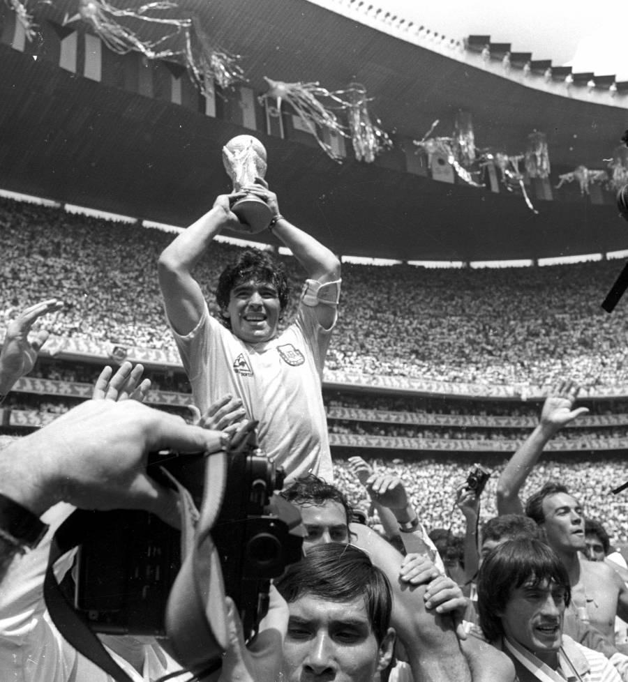 En México, Maradona vivió su momento estelar como futbolista: AMLO