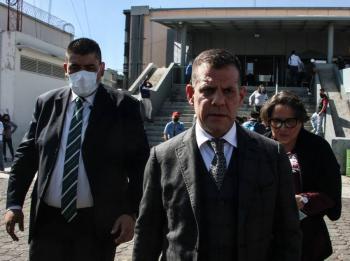 Robles acusa a Videgaray de orquestar desvíos: abogado
