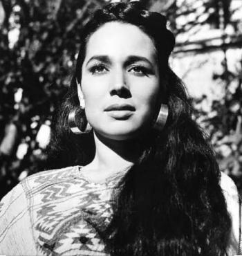 ¿Quién fue Flor Silvestre, ícono de la música regional mexicana?
