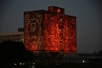 """La UNAM se """"pinta"""" de naranja por violencia hacia mujeres"""