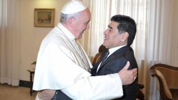 Papa Francisco recuerda con afecto a Maradona y lo tiene presente en sus plegarias