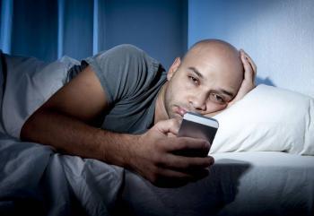 Cinco consejos para alejarse del celular antes de ir a dormir