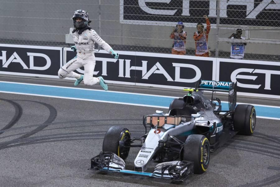 Hamilton marca el ritmo en primera práctica del GP de Baréin