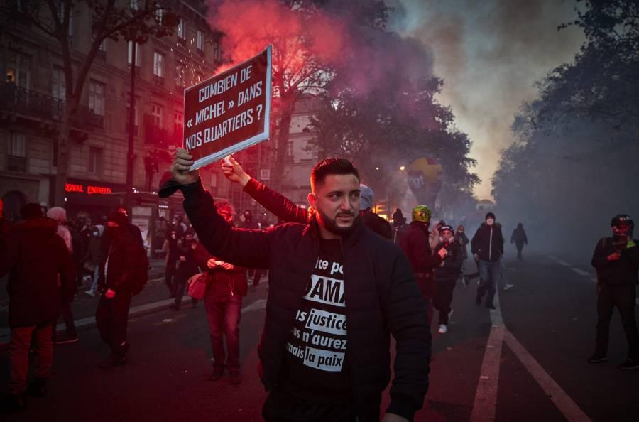 Golpiza a productor de música negro reaviva protestas en Francia