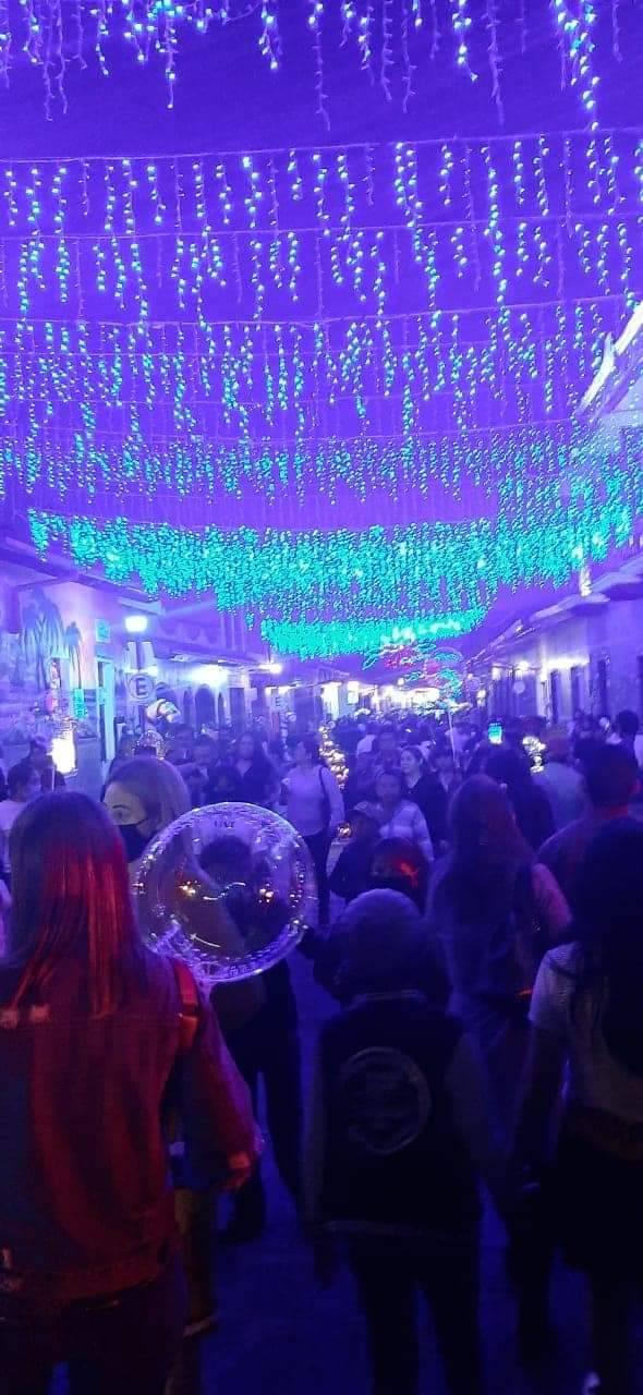 """""""De algo se tiene que morir la gente"""": inaugura Villa navideña alcaldesa priista de Xico"""
