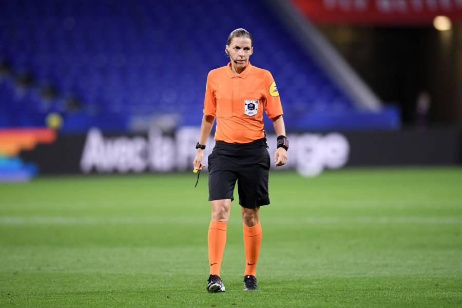 Stéphanie Frappart, primera árbitra en pitar un partido de Champions League