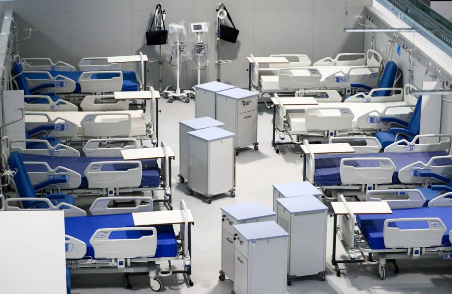 Madrid inaugura hospital para COVID-19 pese a protestas por falta de personal