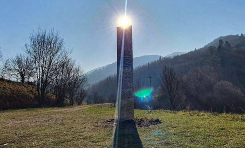 ¡E.T. llama a casa! Misterioso monolito de Rumania desaparece igual que el de Utah