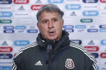 """""""Tata"""" Martino ya habló con Raúl Jiménez y destaca su mejoría"""