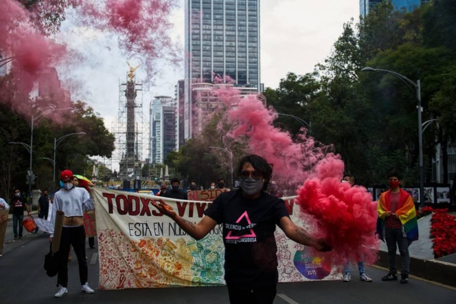 Marchan por Día de Lucha contra el Sida