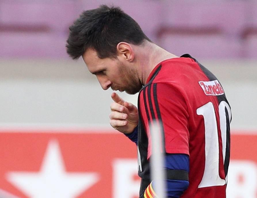 Messi, multado por su homenaje a Maradona