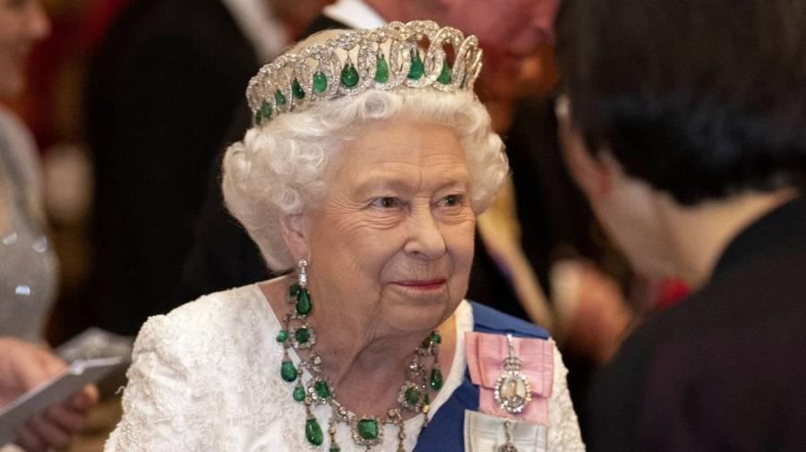 Vacante como secretaria privada de la reina Isabel II