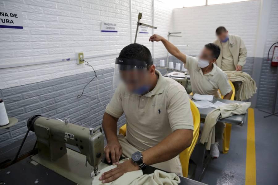 Internos participan en actividades productivas como parte de su reinserción