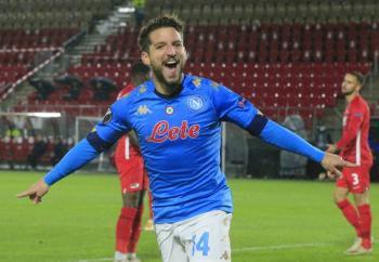 Napoli empata ante el AZ Alkmaar en la Europa League; Lozano juega 29 minutos