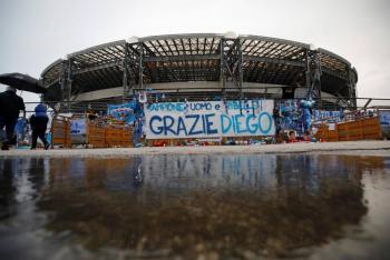 """Oficial: Estadio del Napoli, pasa a llamarse """"Diego Armando Maradona"""""""