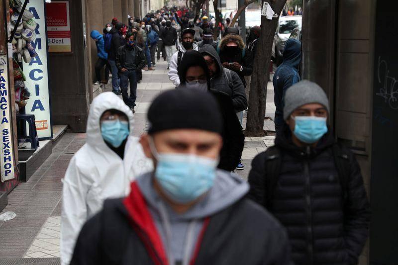 Santiago de Chile retoma confinamiento en fines de semana tras repunte de COVID-19