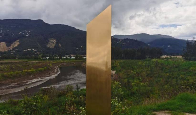Aparece otro monolito en Colombia y por fin revelan el secreto de estas figuras