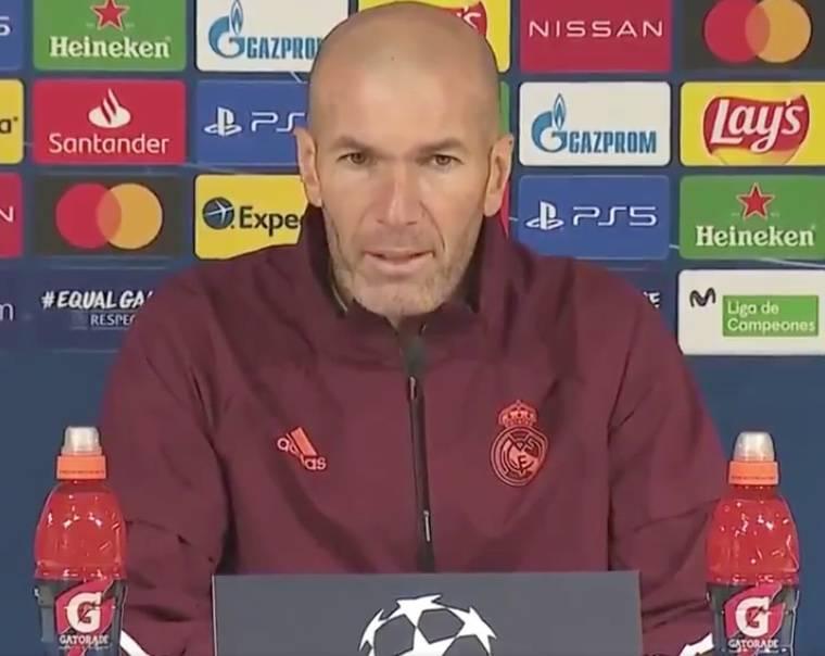 Zidane se enfoca en el Monchengladbach y no en su futuro