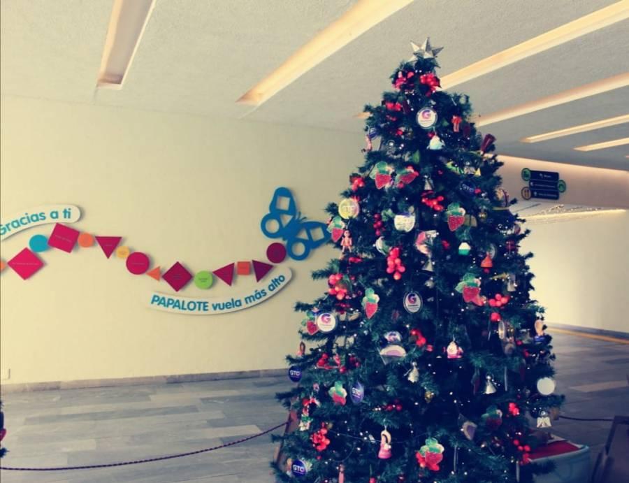 """Guanajuato expone árbol """"Lazos de Navidad 2020"""", en Chapultepec"""