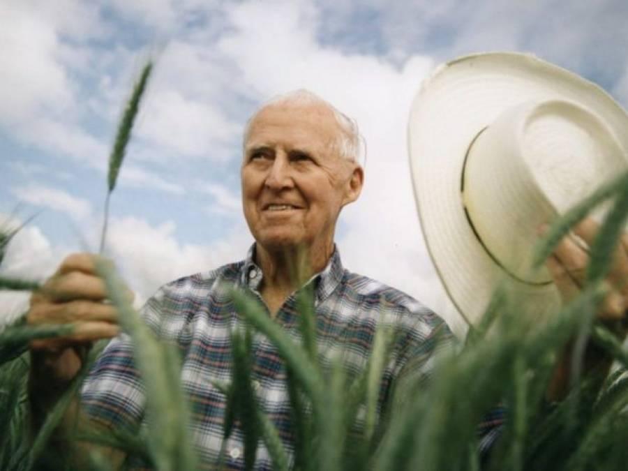 Sader recuerda a Norman Borlaug y llama a construir la paz a través de la agricultura