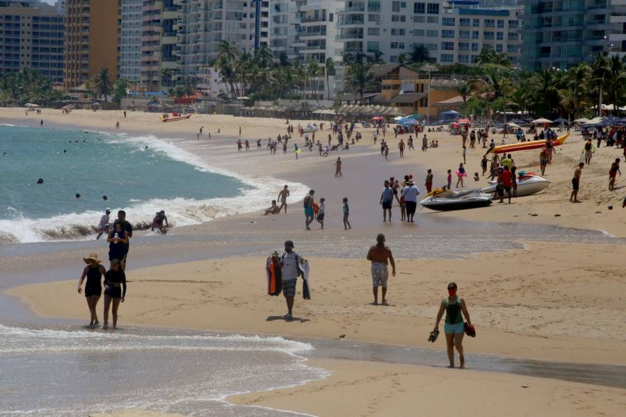 Para evitar contagios de Covid-19, implementan operativos en playas de Acapulco
