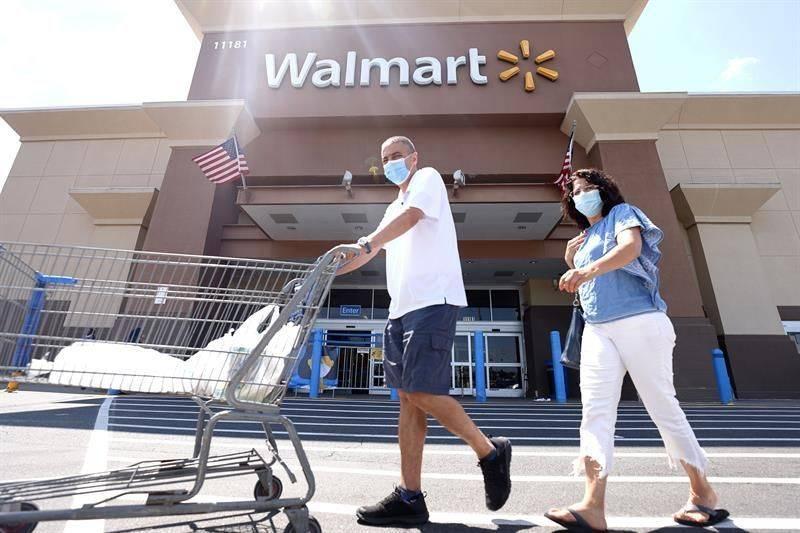 Se prepara la cadena Walmart para suministrar vacuna contra Covid en EE. UU.