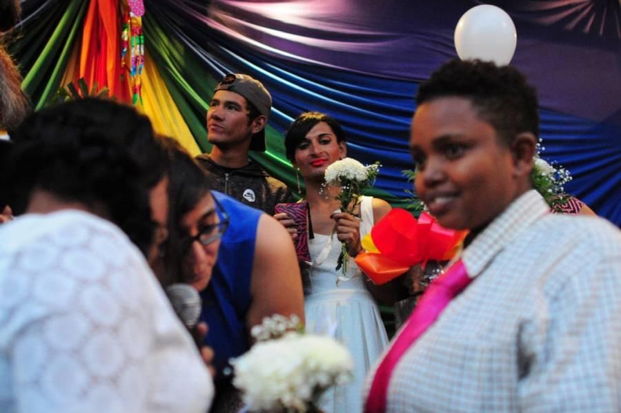 Líder católico de México respalda uniones civiles para parejas del mismo sexo