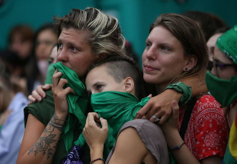Diputados de Argentina aprueban proyecto para legalizar aborto