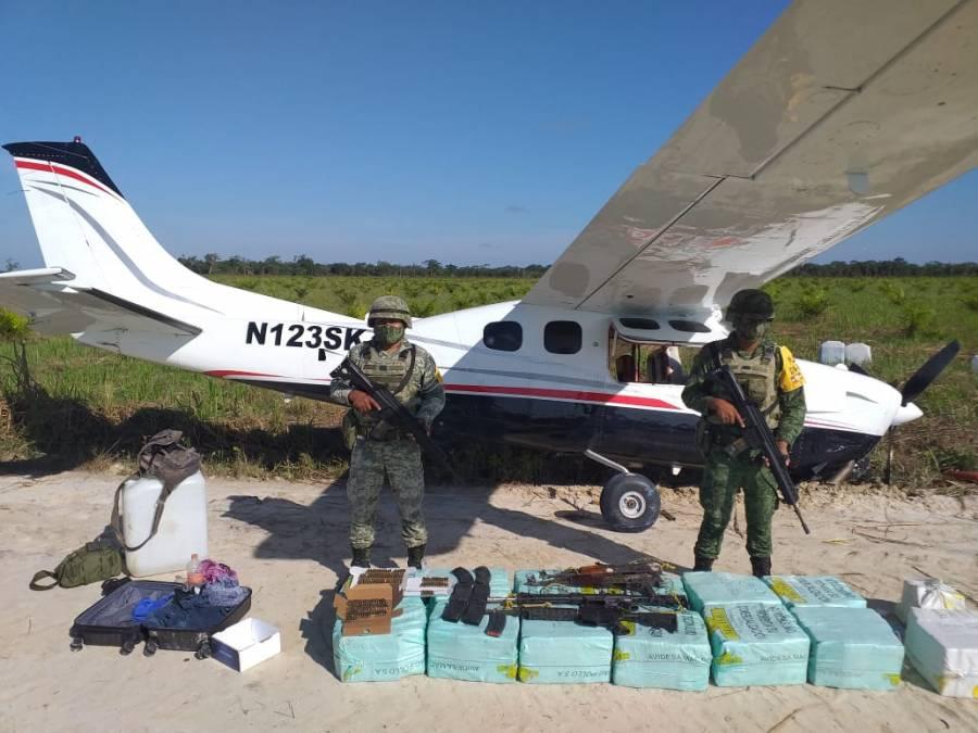 Aseguran fuerzas armadas aeronave que ingresó al país sin permiso; llevaba cocaína