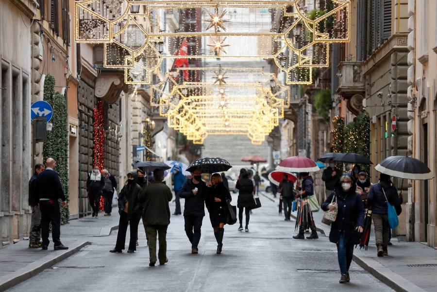 Italia analiza nuevas restricciones en Navidad por aglomeraciones