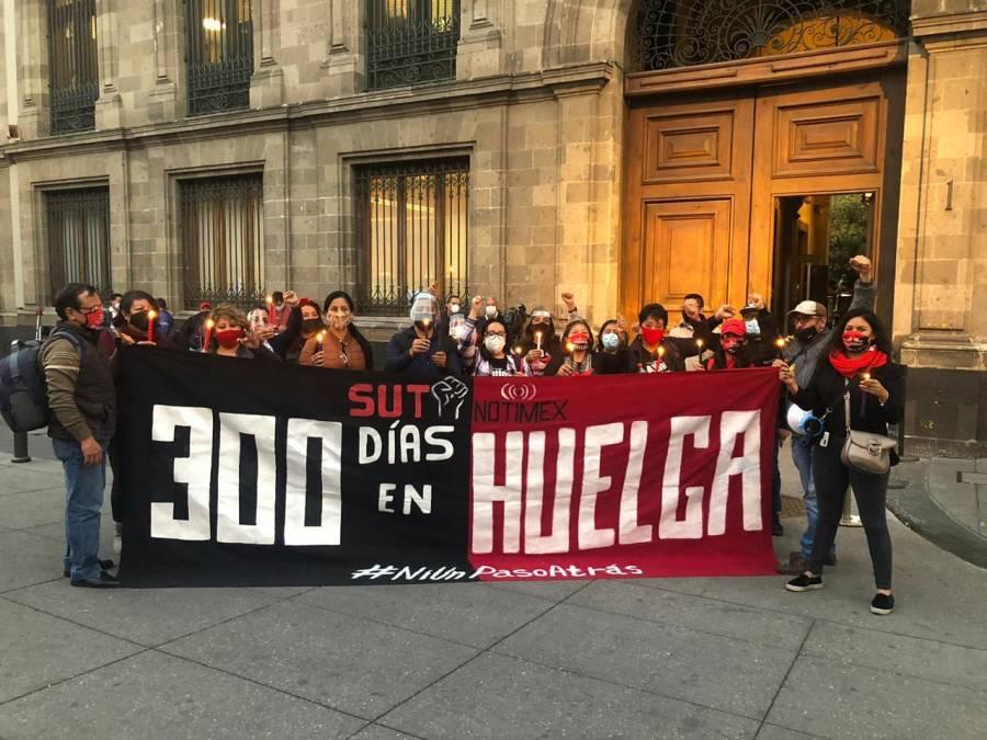 Celebran preposada navideña a 300 días de huelga en Notimex, para solicitar fallo antes de navidad