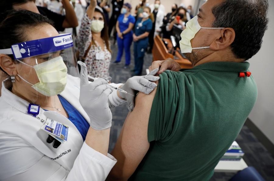Regulador europeo acelera  revisión de vacuna antiCovid
