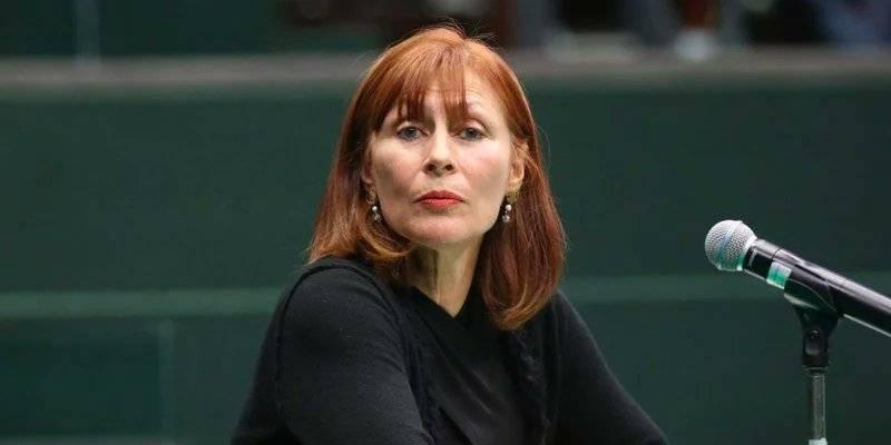 Solicita Tatiana Clouthier licencia para dejar su curul