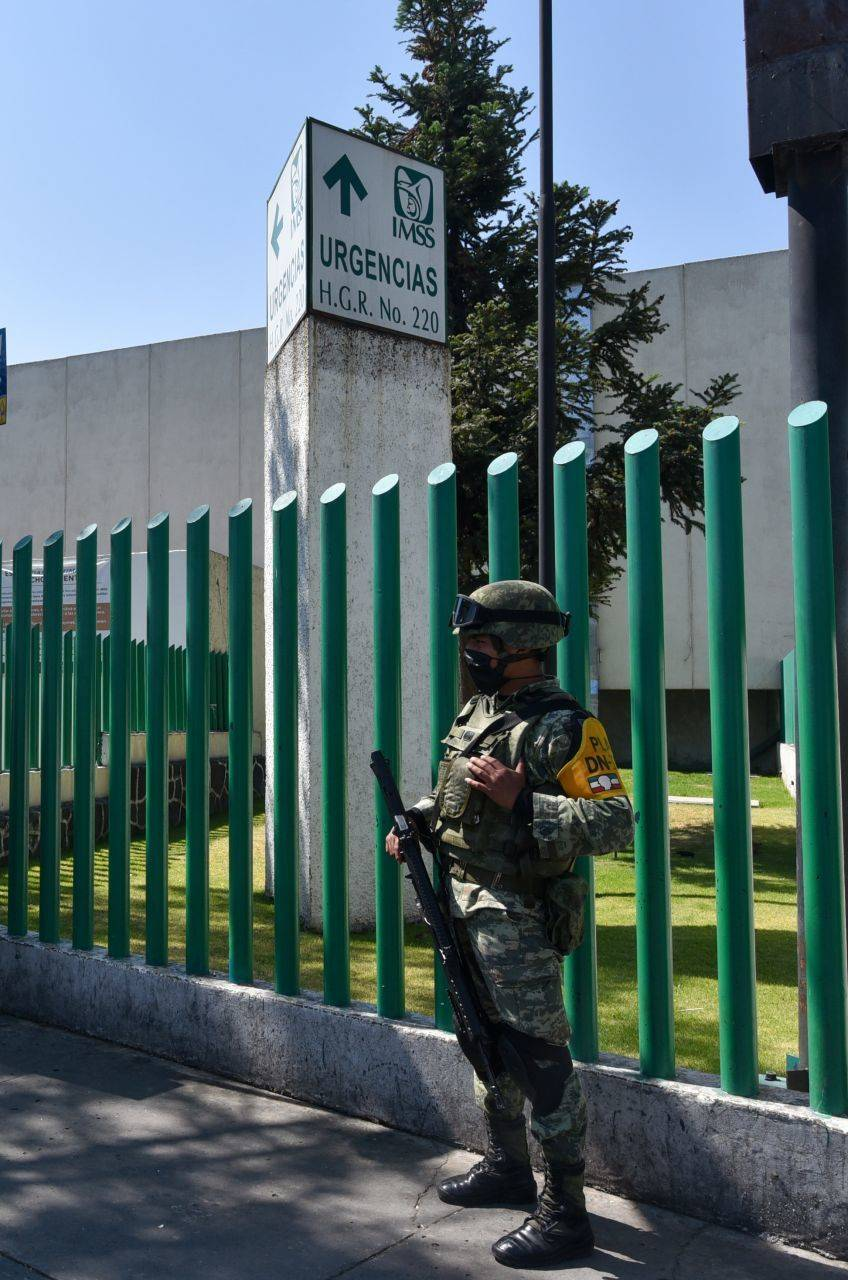 Capacita IMSS a militares para aplicación de vacuna Covid
